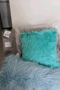New Shaggy rug and two new shaggy pillows Hyattsville, 20785