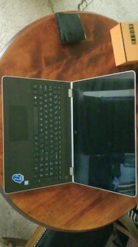Up laptop less than six months old & in great cond Palm Springs, 92264