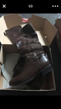 Wide calf never worn boots size 10 Providence, 02909