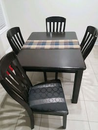 4 seater hardwood dining table Brampton, L7A 0A8
