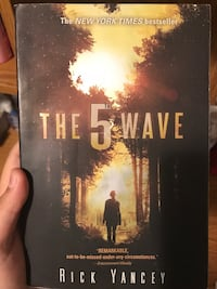 The 5th Wave by Rick Yancey book