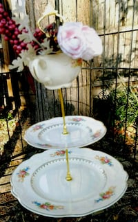 3 tier cake stand Rockville, 20852