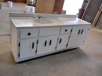 Bathroom Sink and Counter 675 mi