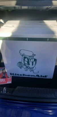 Never opened 5 quart black kitchen aid!!!!  Brooklyn, 11225