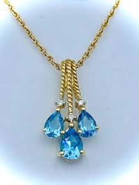 Ladies diamond and topaz necklace Fort Erie, L2A
