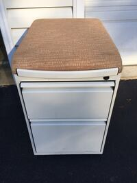 Rolling seat file cabinet Centreville, 20120