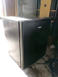 white top-mount refrigerator Victorville, 92395
