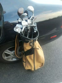 2 Seward Vintage Golf Bags and Clubs Hoover, 35216