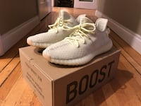 Yeezy 350 butters (size 8.5) North Vancouver, V7R 1Y7