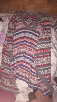 black, red, and gray sweater Laval, H7G
