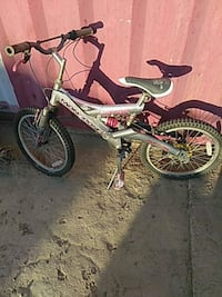 toddler's green and white bicycle Palmdale, 93550