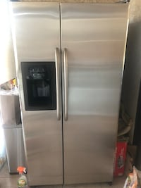 stainless steel side-by-side refrigerator with dispenser Glendale, 91206