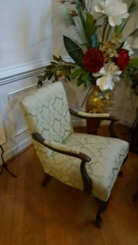 white and brown floral armchair Monroe, 28112