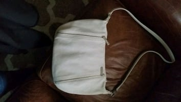 Michael Kors new white purse. Perfect condition, used 1 time.