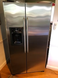 GE 25.4 cubic ft stainless steel side by side refrigerator freezer  Silver Spring