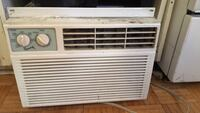 white window type air conditioner Longueuil, J4K 2K1