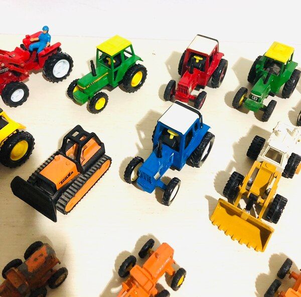 Farm Machine Die Cast Metal Cars In 1/43 Scale! By different makers a33dfaee-0c27-4525-b53a-6bdff442b528