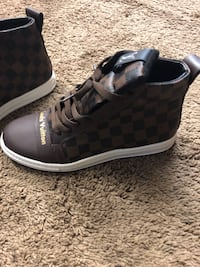 Men shoes size 9 1/2 Columbus, 43204