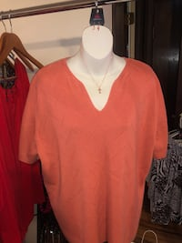 Plus Size Top Shrewsbury, 17361