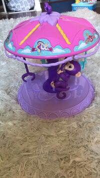 WowWee Fingerlings Playset: Twirl-A-Whirl Carousel with monkey Toronto, M2J 0A7
