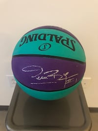 Muggsy Bogues autographed basketball Charlotte, 28205