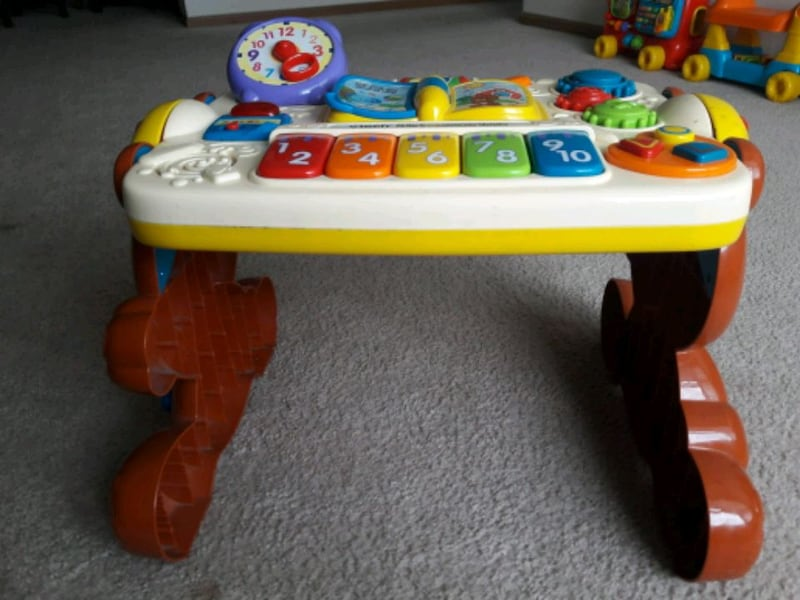 VTech 2 in 1 Discovery Table 2751e919-0a4b-44c4-8db0-b45691d17113