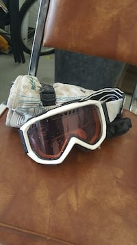 white snow goggles