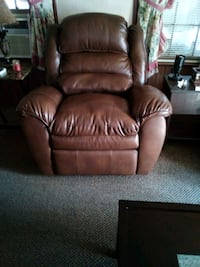 brown leather recliner sofa chair Gloucester Point, 23062
