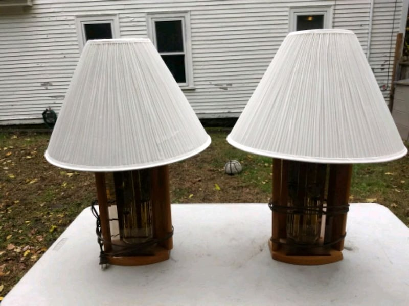 two brown-and-white table lamps c07796c1-50ea-46df-a273-5ebfec661b31