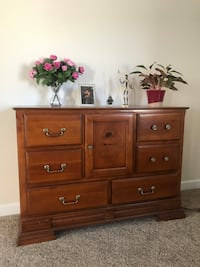 Buffet table/console table/ dresser/ table