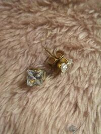 2 Sets Stud Diamond Earings Winnipeg, R3G 1B3
