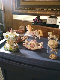 Carousel horse stuff snow globes don't have water  St. Cloud, 56301
