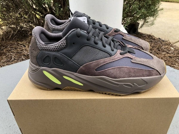 6c61e0a3a New Adidas Yeezy Boost 700 Wave Runner Size 9.5 With RECEIPT usado en venta  en Dublin