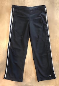 Like new Nike crop pants. Sz XS or 0-2. Las Vegas, 89138