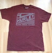 maroon and white crew-neck shirt Windsor, N9A