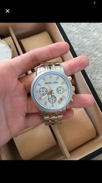 round silver chronograph watch with silver link bracelet Quakers Hill, 2763