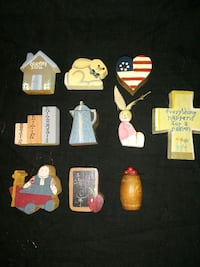 10 Very Small Wooden Miniatures Virginia Beach, 23454