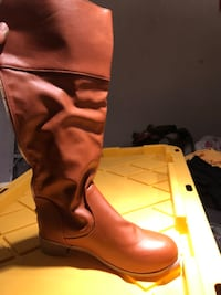 Size 6, 7 Almost new various shoes and boots  Concord, 94521