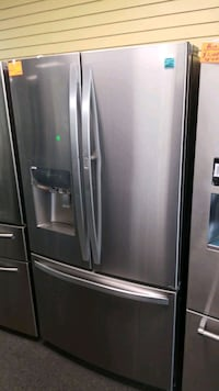 """Kenmore 36""""wide showcase new scratch and dent refr Randallstown"""