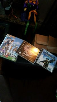 Xbox 360 console with controller and game cases Coventry, 02816