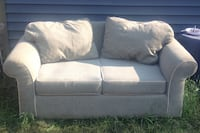Nice love seat Couch  Edmonton, T5R 5E9
