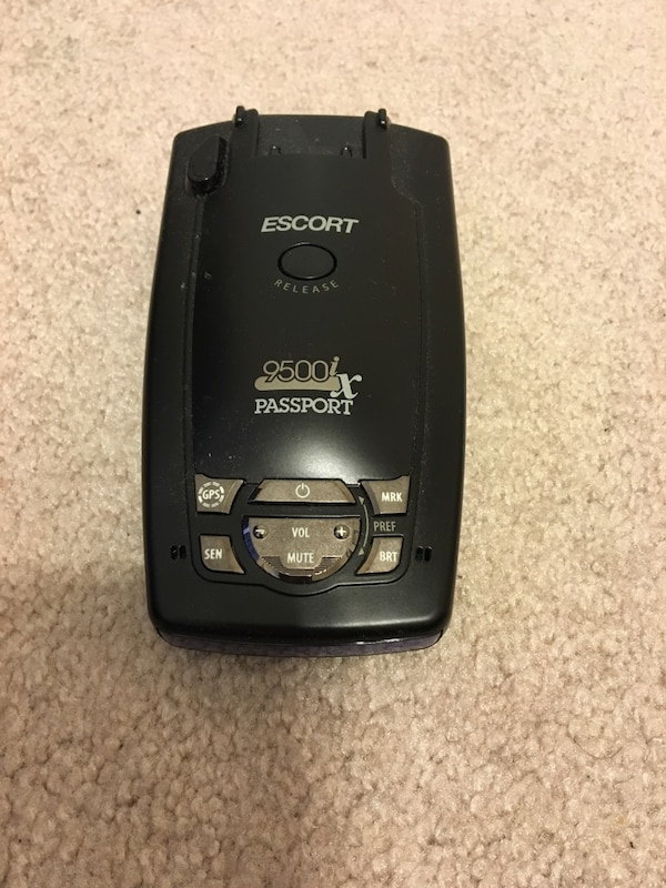Passport Radar Detector >> Escort 9500ix Passport Radar Detector With Charger