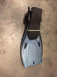 Pair of blue and black flippers ROCKVILLE