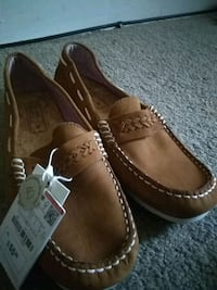 pair of brown leather loafers Cleveland, 44125