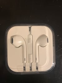 Never been open Apple EarPods 3120 km