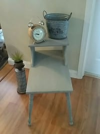 Gray distressed end table  Dracut, 01826