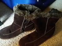pair of black fur-lined boots Greensboro