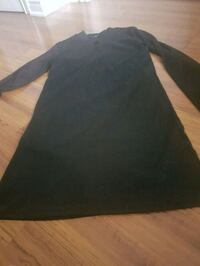 black and gray long-sleeved shirt Laval, H7N 1R4
