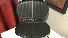 George Foreman Grill Deluxe 20$