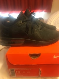 Nike air max used a few times like new asking $50 obo Bakersfield, 93304